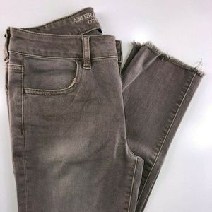 American Eagle Jegging Crop Raw Edge Jeans FE35